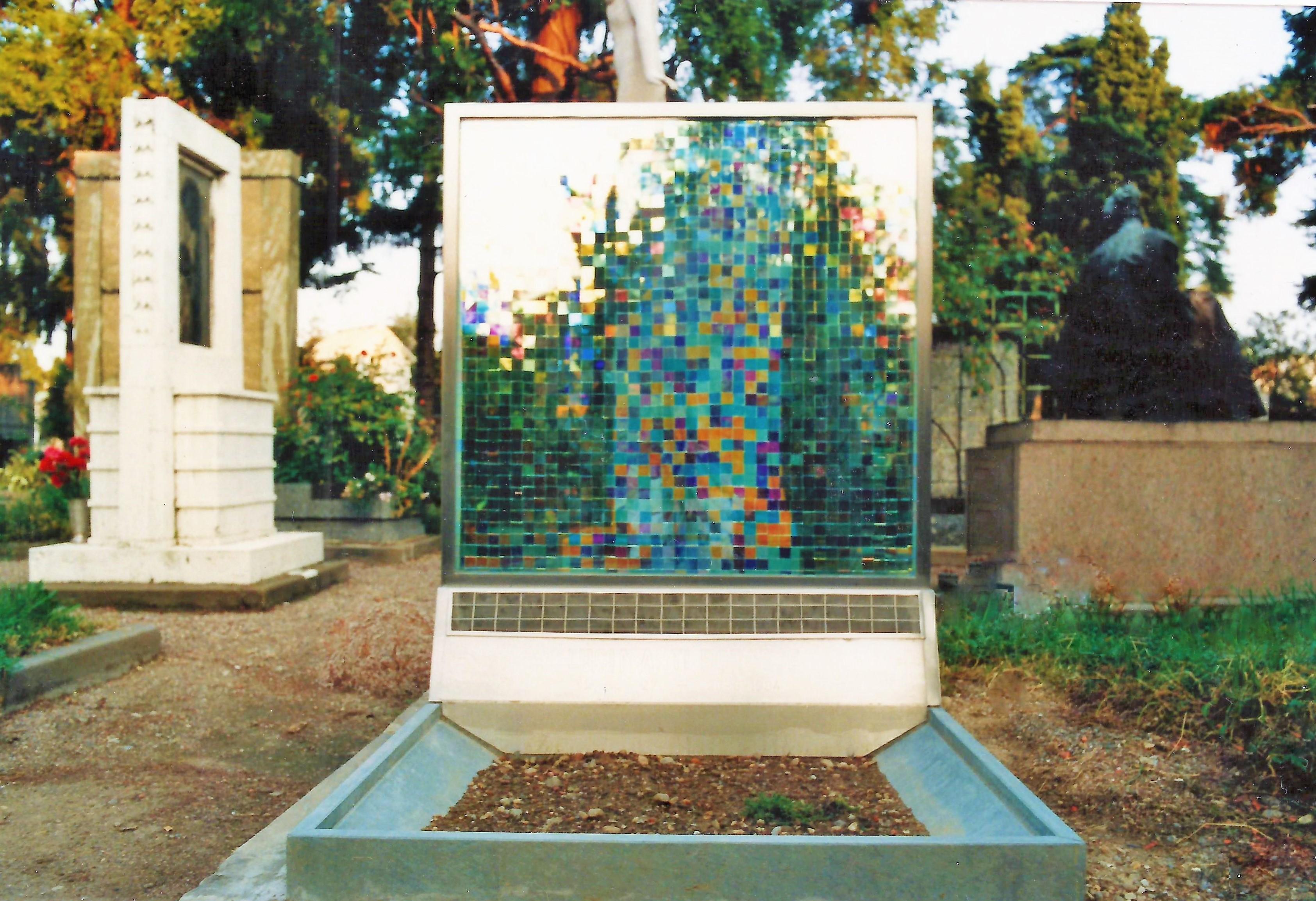 Maurizio Aprea -Monumento funebre -Vetrata musiva